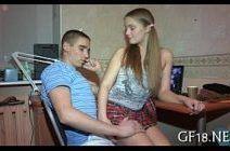 Novinha gozando muito em vídeo íntimo com namorado