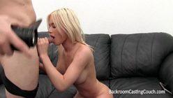 Vídeo quente de putaria com a chupeteira ninfetinha